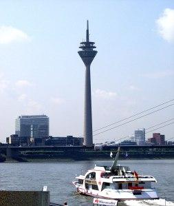 Düsseldorf_Rheinturm